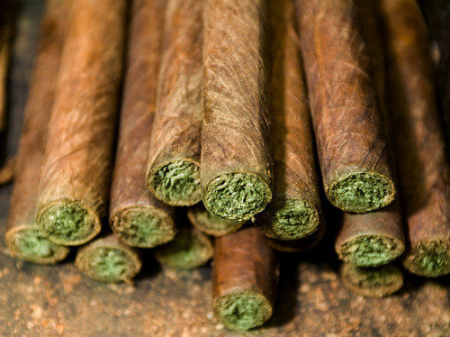 what is a blunt